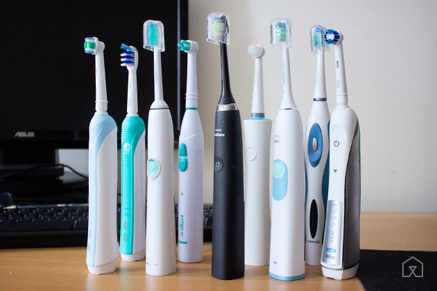 6 Things a Woman should do to her teeth for the beautiful smile!! toothbrush