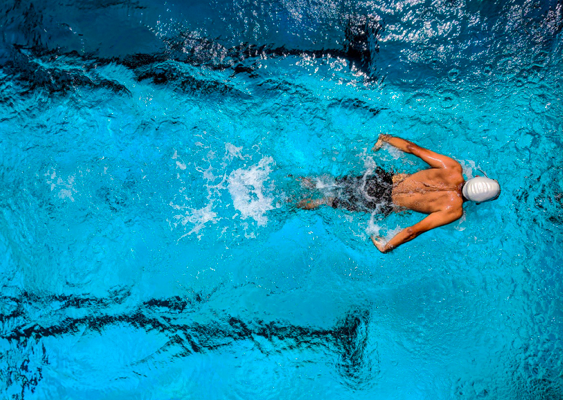 How Swimming Helps You Lose Weight